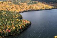 Lac dans l'automne Image libre de droits