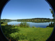 Lac dans la campagne Photo stock