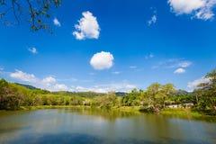 Lac dans la province de Krabi Thaïlande Photographie stock
