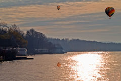 Lac dans la scène d'automne Photos stock
