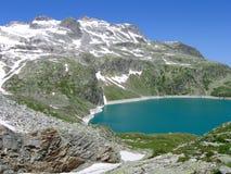 Lac dans les Alpes, Images stock