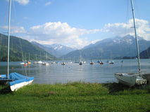 Lac dans les Alpes Photo stock
