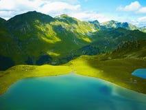 Lac dans les montagnes Photographie stock libre de droits