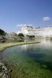Lac dans Pamukkale. Phénomène de nature. La Turquie. Photo libre de droits