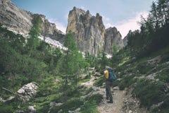 Lac de Becco di mezzodi, de rocheta et Croda DA Lago, ` Ampezzo de Cortina d image libre de droits