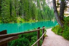 Lac de Braies sur les dolomites, Italie Photographie stock