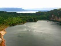 Lac de caldeira de volcan de Taal Photographie stock