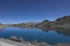 Lac de calme du ¼ Œ de Yamdrokï Photo stock