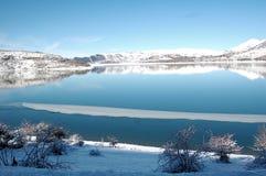 Lac de Campotosto, Abruzzo, Italie Image libre de droits