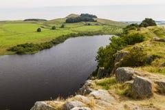 Lac de Cragg sur Roman Wall Le Northumberland, Angleterre photographie stock libre de droits