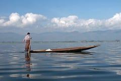 Lac de DEM Inle de forces d'appoint de Fischer dans Myanmar photos libres de droits