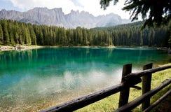 lac de dolomites de caresse Photographie stock