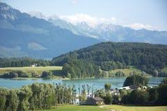 Lac de la Gruyère Lake de Gruyère en Suiza Imagenes de archivo