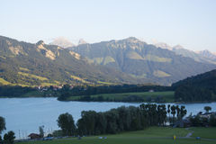 Lac de la Gruyère Lake von Gruyère in der Schweiz Stockbilder