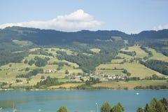 Lac de la Gruyère Lake von Gruyère in der Schweiz Lizenzfreie Stockfotos