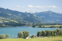 Lac de la Gruyère Lake von Gruyère in der Schweiz Stockfotografie