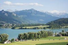 Lac de la Gruyère Lake von Gruyère in der Schweiz Stockfotos