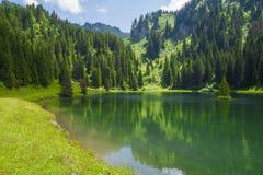 Lac de la Mouille, lago nella regione di Haute Savoie, Francia Fotografia Stock