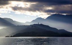 Lac de lune de Sun dans Taiwan Photographie stock libre de droits