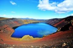 Lac de montagne de Ljotipollur, Islande Photo stock