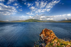 Lac de montagne de Tabatskhuri en Géorgie Photos stock