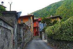 Lac de montagnes de cannobio de maggiore de lago de l'Italie de village Photo libre de droits