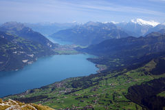 Lac de Mountain View de Thun Photographie stock