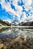 Lac de Mountain View du glacier accrochant Image libre de droits