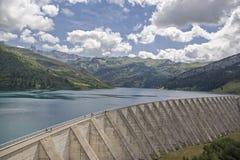 Lac de Roselend στο κραμπολάχανο στοκ εικόνα