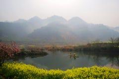 lac de royaume des fées images libres de droits