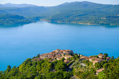 Lac de Sainte Croix普罗旺斯, Alpes,法国 免版税库存图片