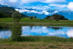 Lac de Siguret in Frankreich lizenzfreie stockbilder