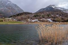 Lac de Siguret près d'Embrun - Hautes-Alpes - la France image stock
