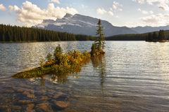 lac de soirée silencieux images libres de droits