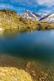 Lac des Cheserys και και σειρά βουνών - Γαλλία Στοκ Εικόνες