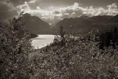 Lac deux medicine, stationnement national de glacier Photo libre de droits