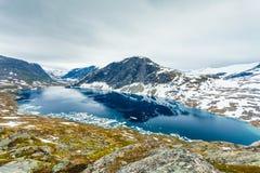 Lac Djupvatnet, Norvège Photos stock
