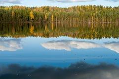 Lac en automne Photos libres de droits