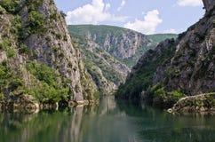 Lac en canyon Matka, Macédoine Photos libres de droits
