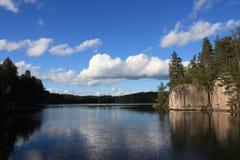 Lac en Finlande Photo stock