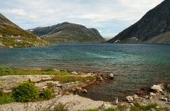 Lac en montagnes Image stock