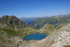 Lac en montagnes Images stock