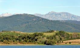 Lac en plaine orientale de la Corse photo stock