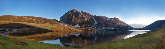Lac Enol Photos libres de droits