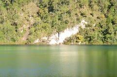 Lac Esmeralda en parc national Chiapa de Lagunas de Montebello Image stock