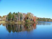 Lac et île Adirondack Photographie stock