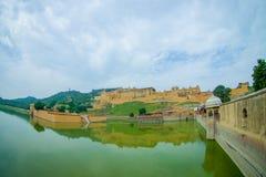 Lac et Amber Fort Maota à Jaipur, Ràjasthàn, Inde Photos stock