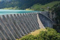 Lac et barrage Photo stock