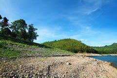 Lac et barrage Photos stock