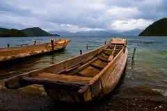 Lac et bateau Photos libres de droits
